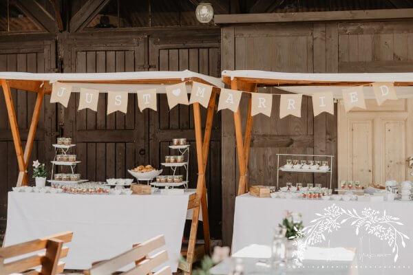 HofgutLilienhof Innenhof AnnaHuber weddingday 1335