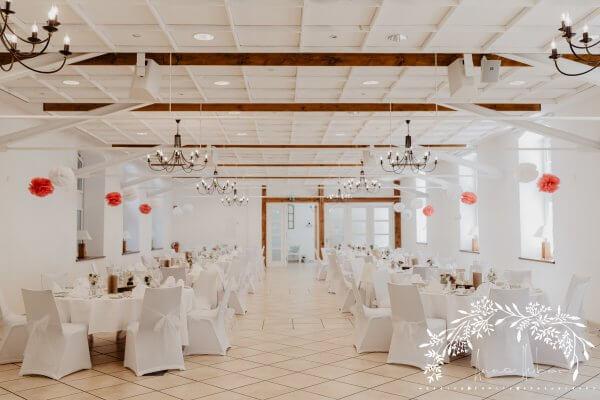 HofgutLilienhof Saal AnnaHuber wedding0425