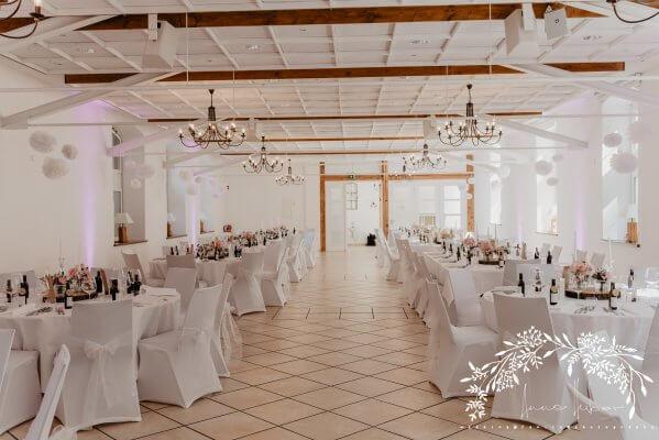 HofgutLilienhof Saal AnnaHuber weddingday 1298